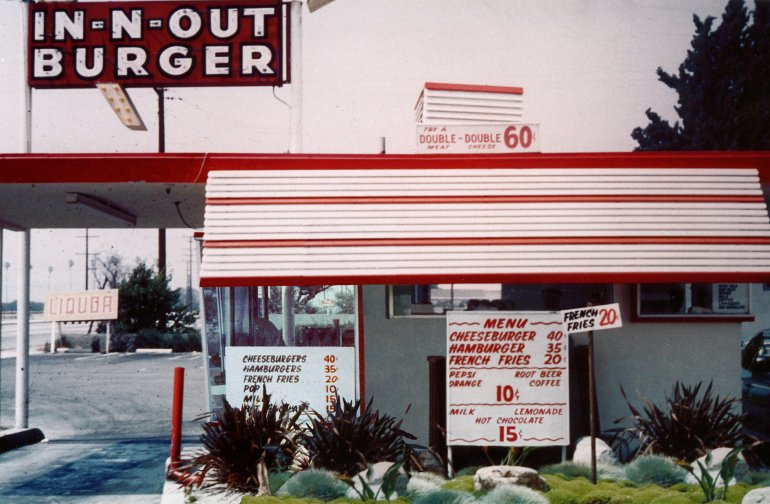 The price of hot cocoa used to be just $0.15, this vintage photo from the 60s shows. (Credit: In-N-Out Burger)