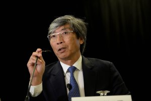 Dr. Patrick Soon-Shiong, Founder and CEO NantWorks, Leader of the Cancer MoonShot 2020, announces newest initiatives for Cancer MoonShot 2020 at Hyatt Regency Boston on Oct. 26, 2016, in Boston, Massachusetts. (Credit: Darren McCollester/Getty Images for NantHealth, Inc.)