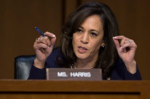 Sen. Kamala Harris questions witnesses on worldwide threats during a Senate Intelligence Committee hearing on Capitol Hill in Washington, D.C. on Feb. 13, 2018. (Credit: SAUL LOEB/AFP/Getty Images)