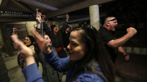 "Spectators cheer the Los Alamitos City Council's vote to oppose California's ""sanctuary"" state law. (Robert Gauthier / Los Angeles Times)"