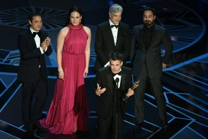 """Chilean director Sebastian Lelio delivers a speech after he won the Oscar for Best Foreign Language Film for """"A Fantastic Woman"""" during the 90th Annual Academy Awards show on March 4, 2018, in Hollywood. (Credit: MARK RALSTON/AFP/Getty Images)"""