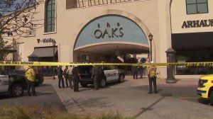Police respond to a fatal shooting at the Oaks mall in Thousand Oaks on March 17, 2018. (Credit: OnScene.TV)