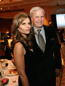 Maria Shriver and Tom Brokaw attend the Academy of Television Arts and Sciences Hall of Fame Induction Ceremony at the Beverly Hills Hotel on Dec. 14, 2006. (Credit: Michael Buckner/Getty Images)