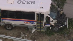 An Orange County Transportation Authority bus stolen from Irvine crashed on the 55 Freeway on May 17, 2018. (Credit: KTLA)