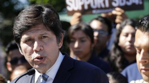 """State Sen. Kevin de León (D-Los Angeles) is the co-author of SB 54, also called a """"sanctuary"""" law protecting undocumented immigrants in California. Here, he speaks at a news conference in Highland Park after the bill was passed in October 2017. (Credit: Mel Melcon / Los Angeles Times)"""