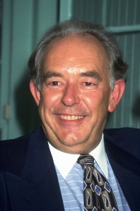 Robin Leach is seen in this undated photo. (Credit: Newsmakers via Getty Images)