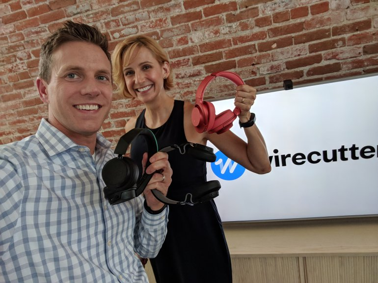 KTLA Tech Reporter Rich DeMuro (Rich on Tech) with Wirecutter's Lauren Dragan