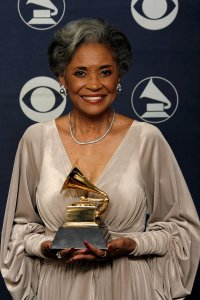 """Singer Nancy Wilson poses with her Grammy for Best Jazz Vocal Album for """"Turned To Blue"""" at the 49th Grammy Awards at the Staples Center on Feb. 11, 2007. (Credit: Vince Bucci / Getty Images)"""