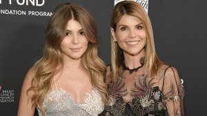 """Olivia Jade Giannulli (left) and Lori Loughlin (right) attend WCRF's """"An Unforgettable Evening"""" Presented by Saks Fifth Avenue on Feb. 27, 2018 in Beverly Hills. (Credit: Neilson Barnard/Getty Images for WCRF)"""