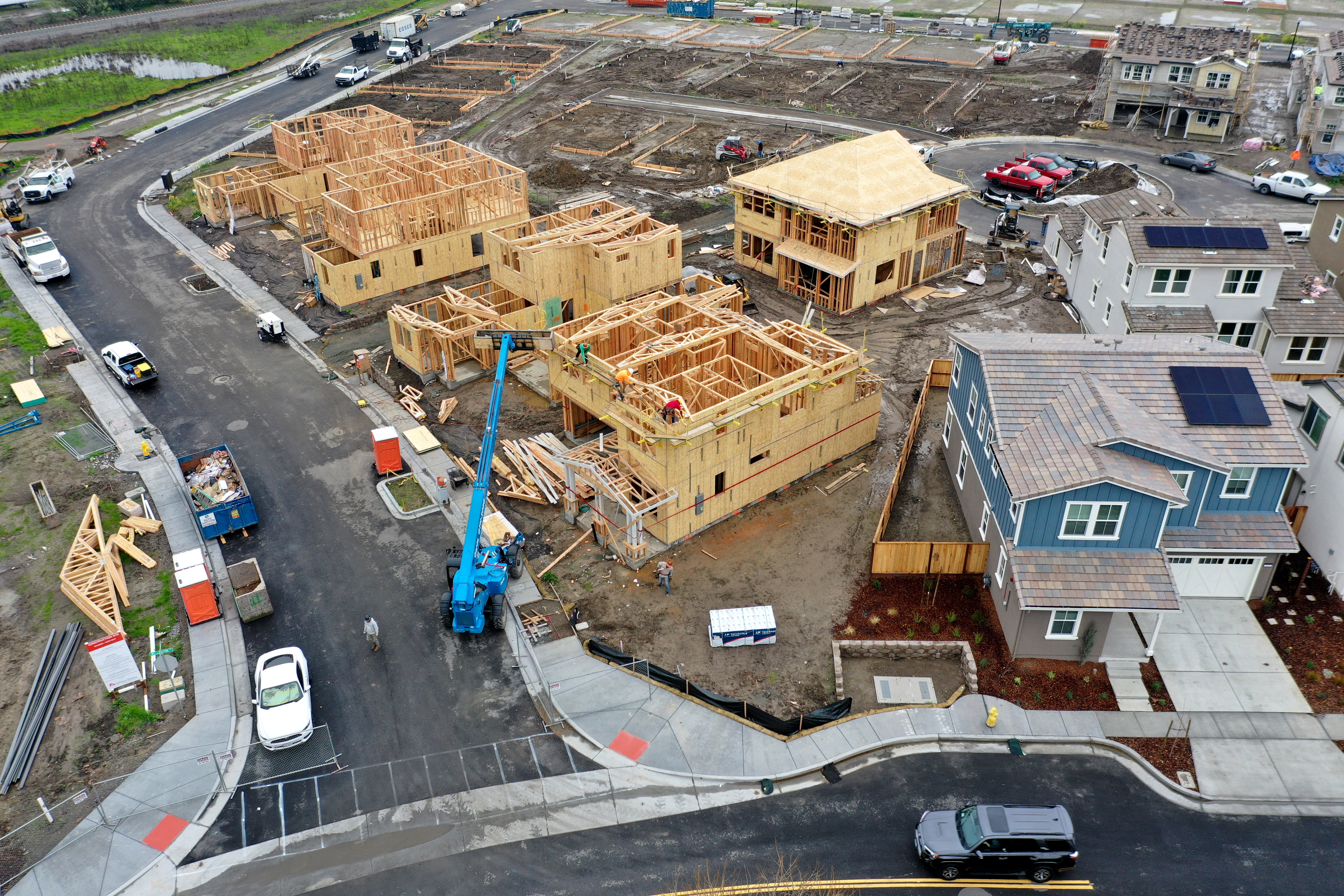 An aerial view of homes under construction at a housing development on Jan. 31, 2019, in Petaluma, California. (Credit: Justin Sullivan/Getty Images)