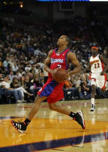 Sebastian Telfair of the Los Angeles Clippers in action during their game against the Golden State Warriors at Oracle Arena on November 6, 2009 in Oakland, California. (Credit: Ezra Shaw/Getty Images)