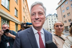 Robert C. O'Brien, special envoy sent by Donald Trump, returns to the courthouse after the lunch break on the third day of the A$AP Rocky assault trial at the Stockholm city courthouse on Aug. 2, 2019 in Stockholm, Sweden. (Credit: Michael Campanella/Getty Images)