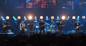 From left to right: Vince Gill, Timothy B. Schmit, Don Henley, Scott F. Crago, Deacon Frey and Joe Walsh of the Eagles perform at MGM Grand Garden Arena on September 27, 2019 in Las Vegas. (Credit: Ethan Miller/Getty Images)