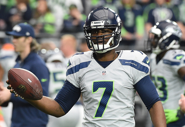 Tarvaris Jackson #7 of the Seattle Seahawks warms up on the field prior to the NFL game against the Arizona Cardinals at University of Phoenix Stadium on January 3, 2016 in Glendale, Arizona. (Photo by Norm Hall/Getty Images)
