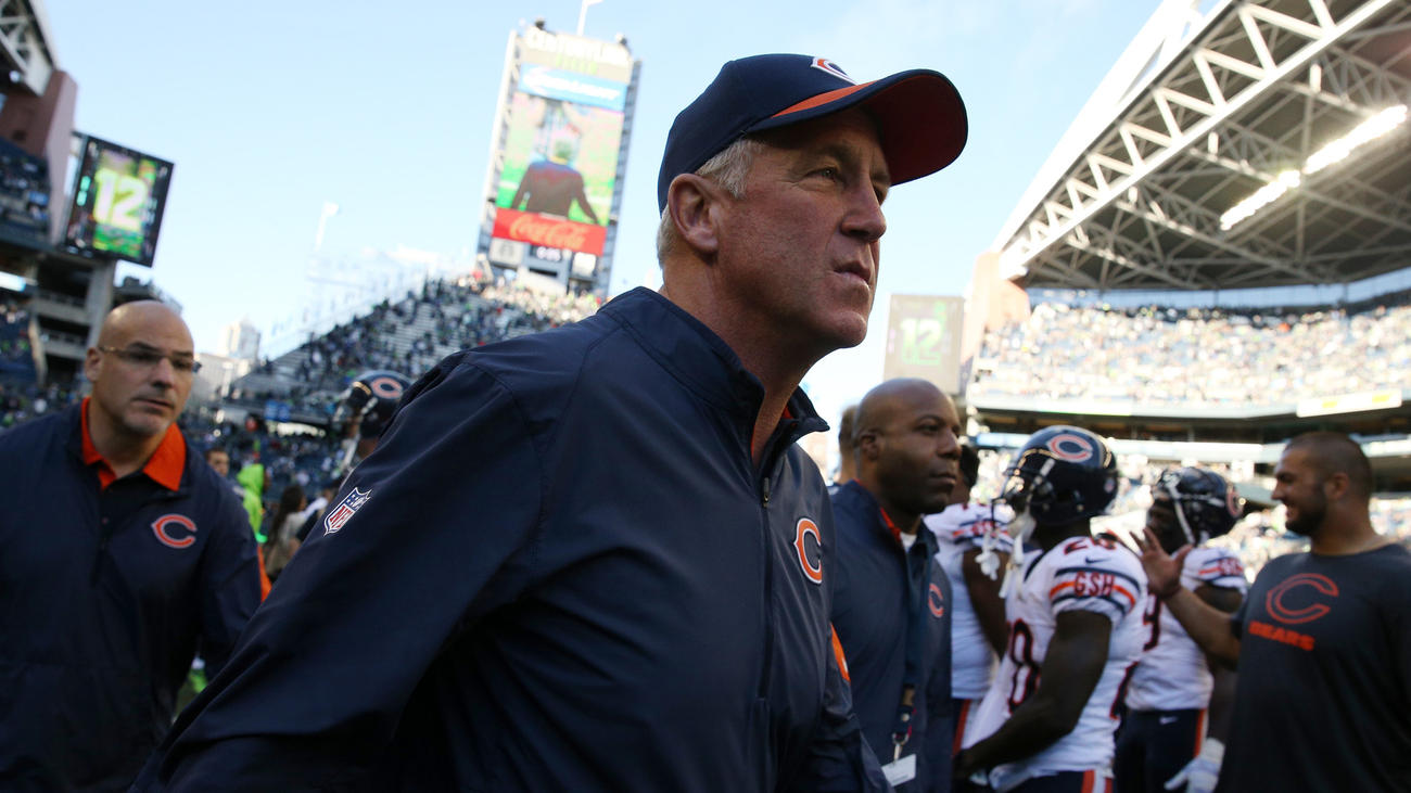 John Fox walks off the field in Seattle after losing to the Seahawks. (Anthony Souffle / Chicago Tribune)