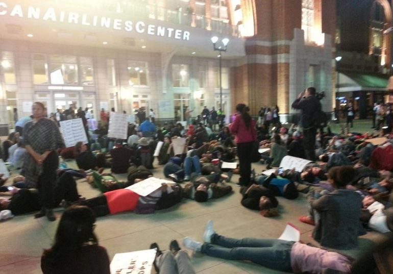 Protesters stage die-in at American Airlines Center as Usher performed inside