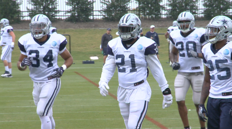 Ezekiel Elliott (#21) leads the Cowboys' rushing corps in Sunday's practice.